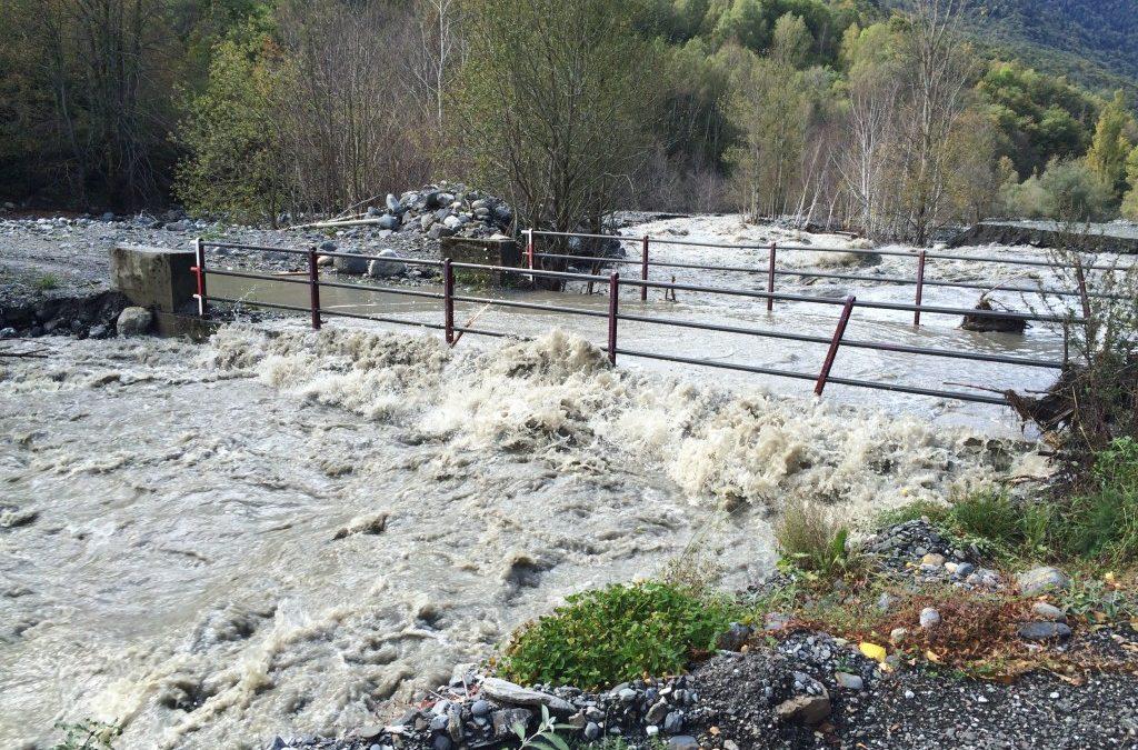 El Conselh Generau d'Aran i l'Ajuntament de Es Bòrdes aconsegueixen les obres immediates en el pont del Còc i en el dic de Torrasa